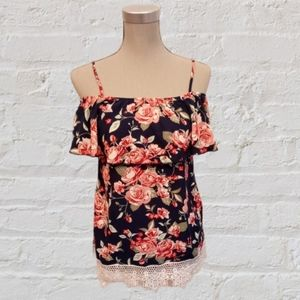 2/$20🥳 Off shoulder floral top size small